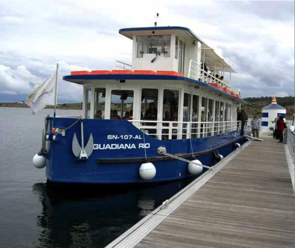 Embarcadero del lago Alqueva.
